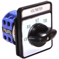 elector para Voltimetro, 0 - RS - ST - TR , 4 Posiciones, 16A, Voltaje de Trabajo 240 / 440 V, Dimensiones 48x48 mm. Conforme IEC 60947-3, Voltaje Aislamiento maximo 660 / 690 V.
